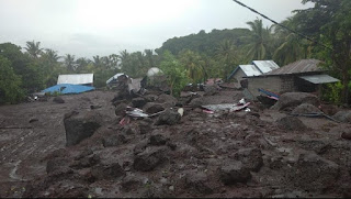 Banjir Bandang Flores Timur, Ratusan Orang Tertimbun Longsor Belum Ditemukan