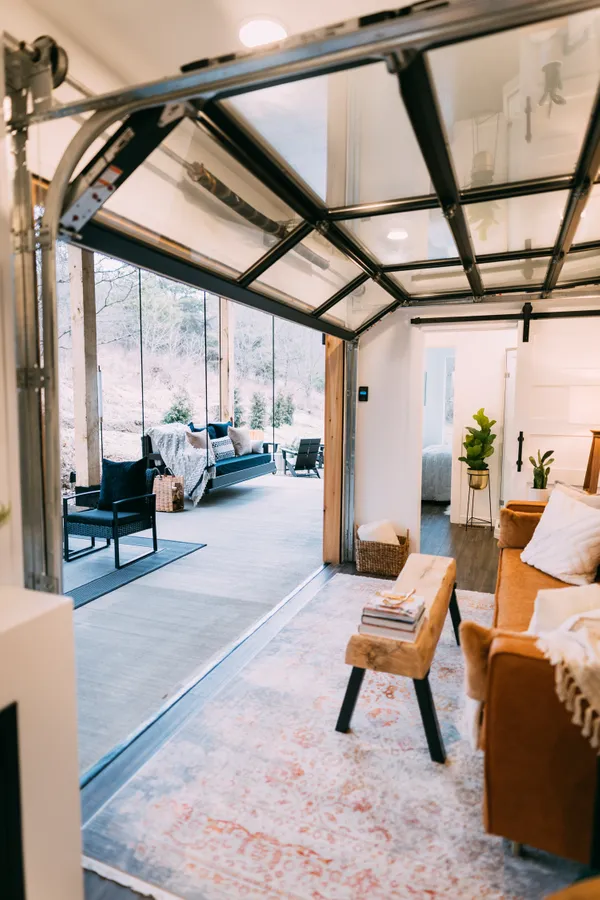 The Lily Pad Airbnb - Small Shipping Container Home, Ohio 12