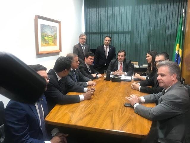 Ministro Moro e presidente da Câmara acertam votação do pacote anticrime