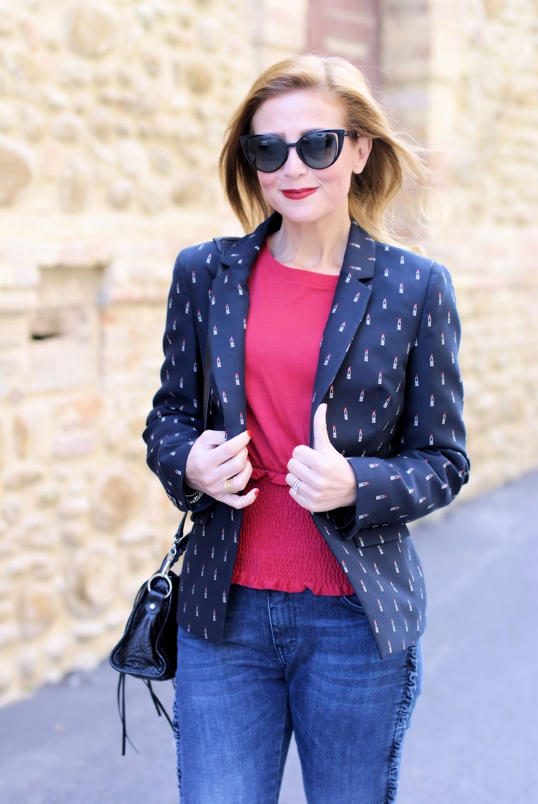 Must have jackets for Fall: lipstick print blazer from 1.2.3 Paris on Fashion and Cookies fashion blog, fashion blogger style