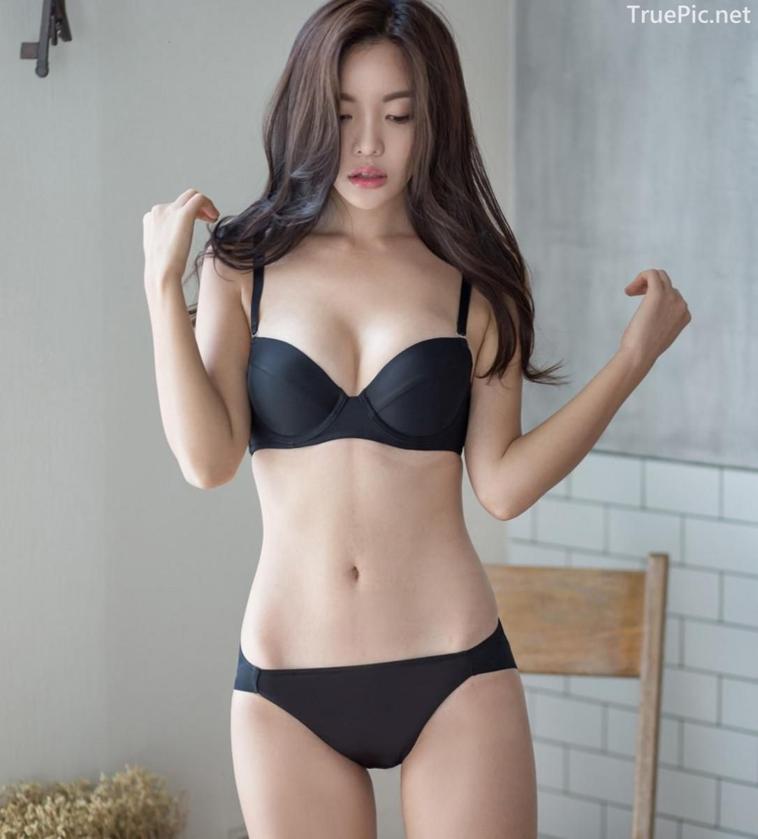 Korean model and fashion - Jin Hee - Black and white Lingerie - Picture 1