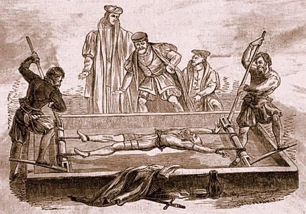 Hình phạt tàn khốc thời trung cổ : Giá đỡ !