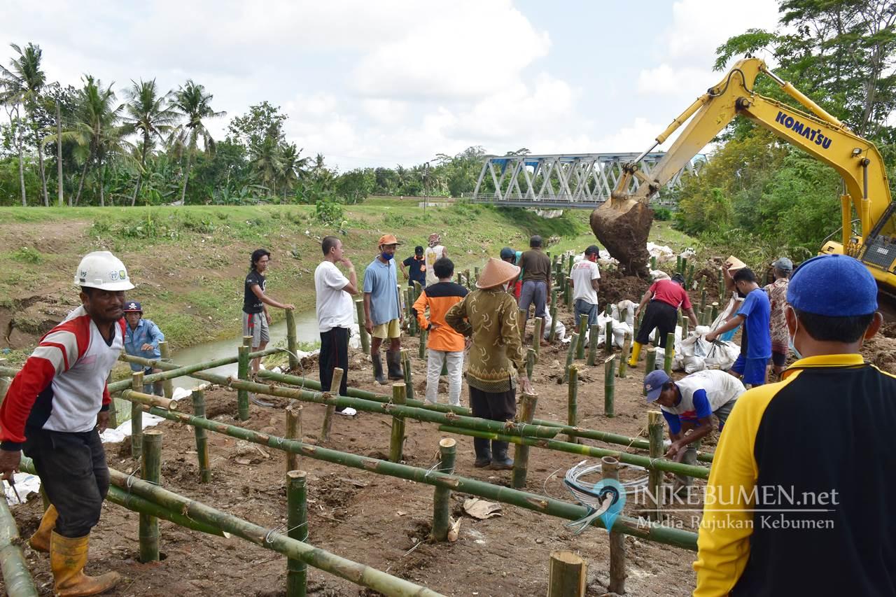 Tangani Bencana, Pemkab Kebumen Terjunkan 10 Alat Berat