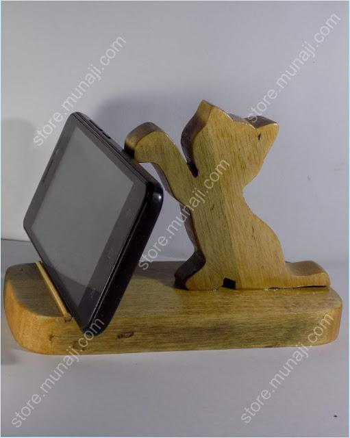 gambar produk 1 - Dudukan HP Dari Kayu - Bentuk Anak Kucing Lucu Imut (Wooden Phone Stands)