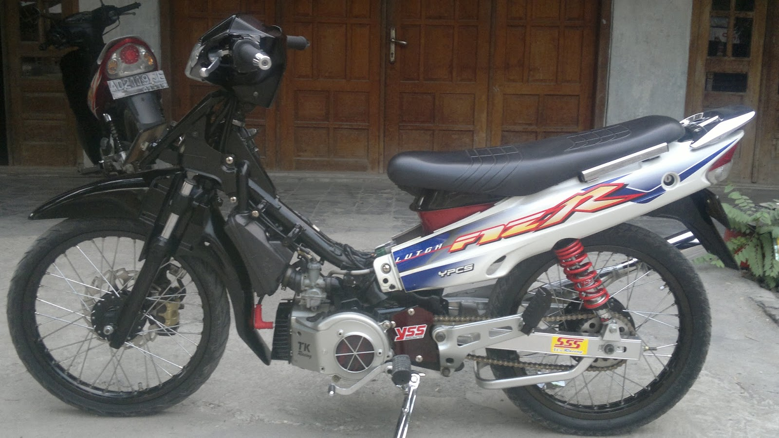 Motor Fiz R Modifikasi