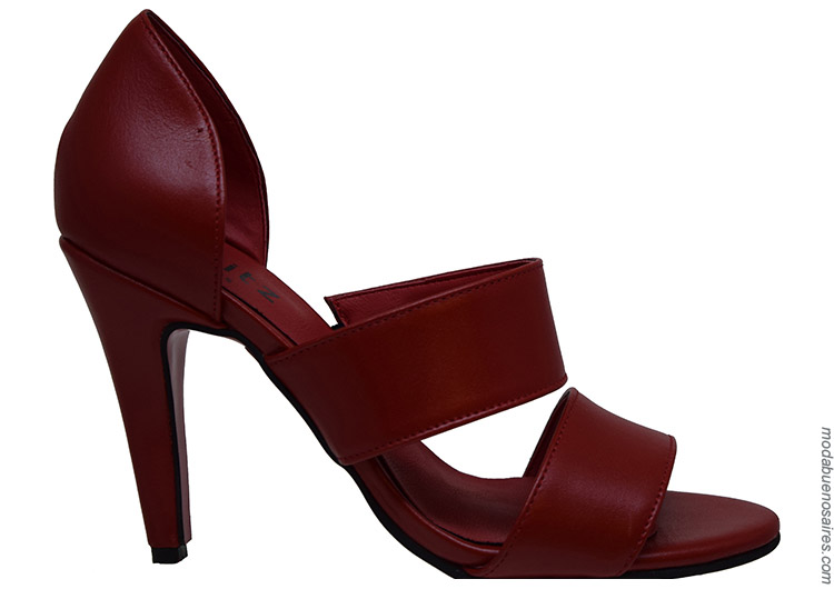 Zapatos primavera verano 2020. Moda primavera verano 2020 zapatos.