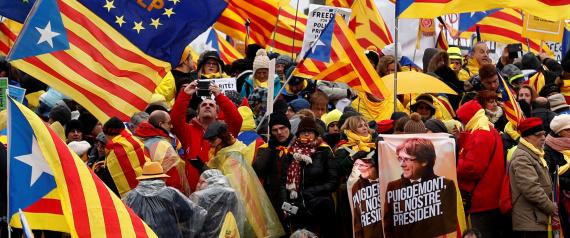 الجهوية 24 - انفصاليو كتالونيا يتشاجرون بعد فشل مشروعهم بالانفصال..