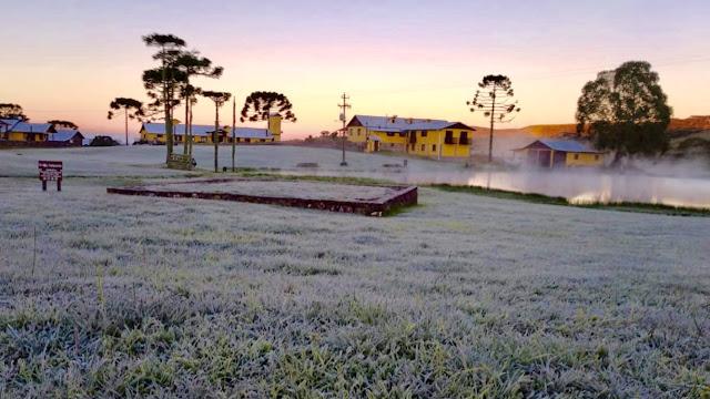 A foto mostra o frio abaixo de zero no Estado do Rio Grande do Sul, em São José dos ausentes.