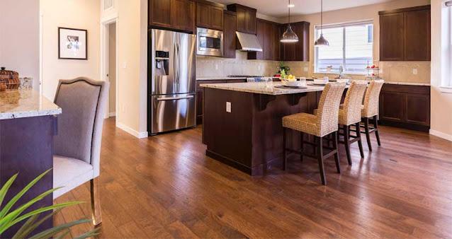 Area dapur yang terpasang lantai vinyl