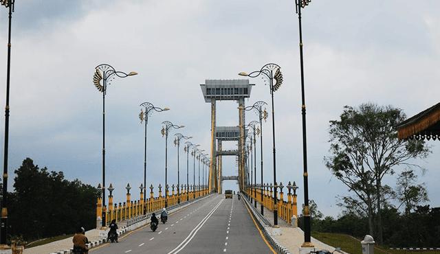 Jembatan Siak Tengku Agung Sultanah Latifah