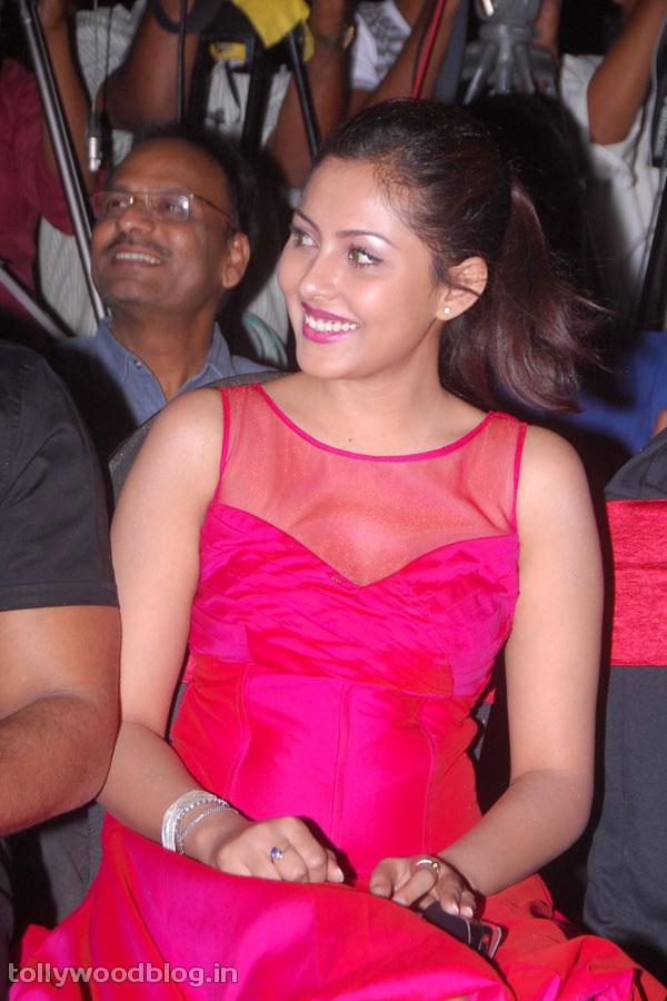 Celebraitys Hot  Sexy Images Madhu Shalini Latest -7107