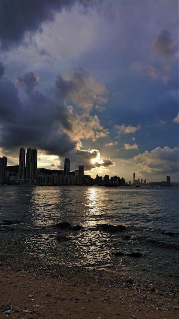 鯉魚門燈塔日落
