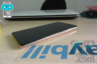 Infinix Hot 3 - sisi kanan, tombol power dan volume rocker