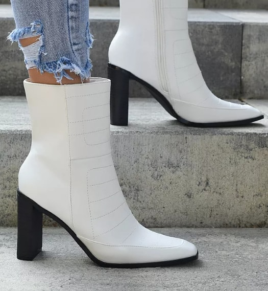 Botine cu toc gros albe la moda pentru iarna