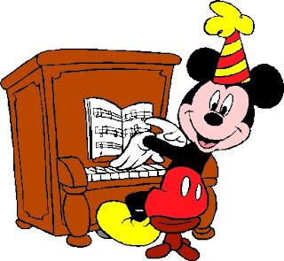 Mickey tocando el piano, pianista