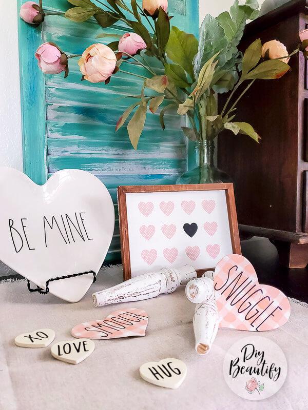 farmhouse Valentines vignette