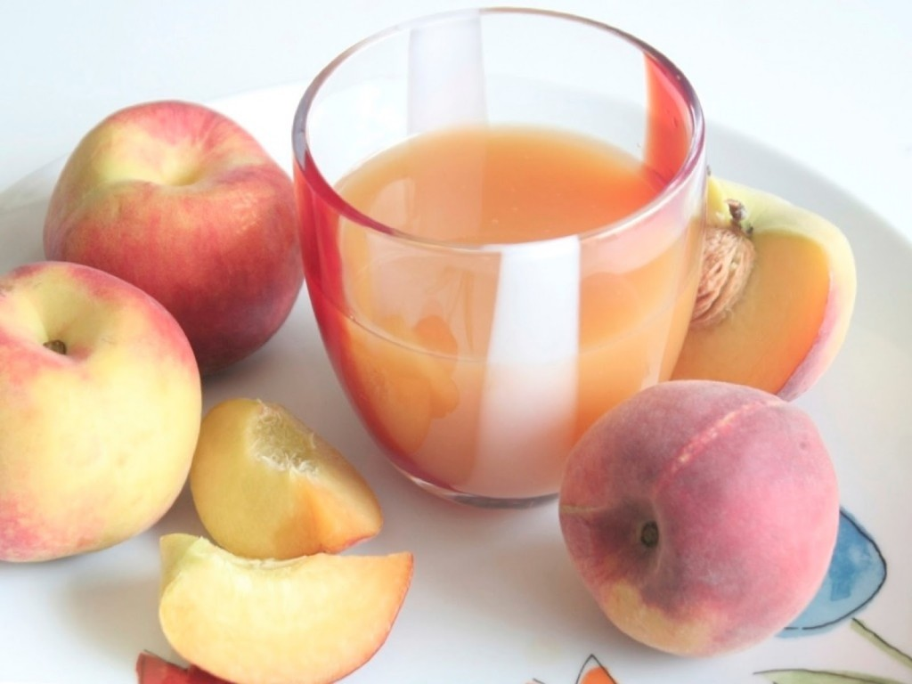 Peach Fruit Juice with Thermomix