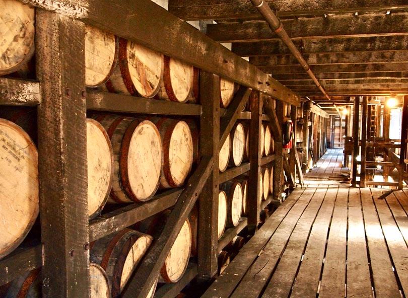 jack-daniels-whiskey-distillery