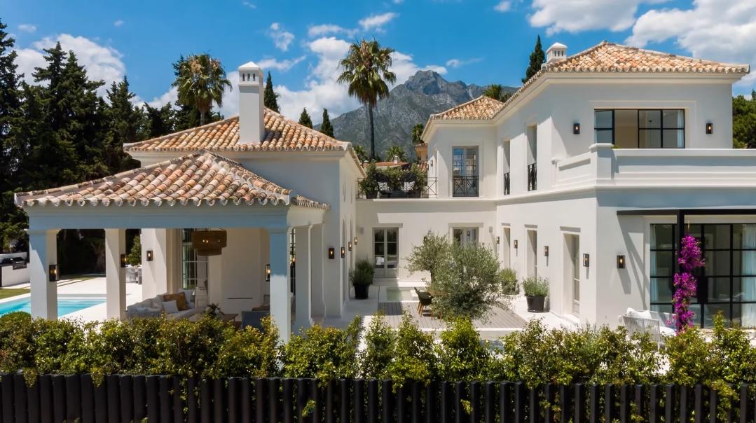 27 Interior Design Photos vs. Nagueles Villas Marbella Tour