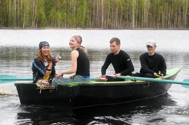 На Пертозере покатались на лодке