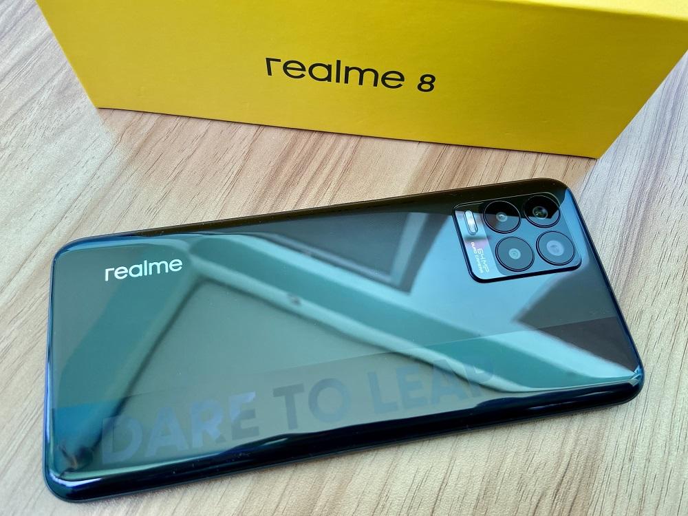 realme 8 - Cyber Black