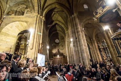 https://interbenavente.es/not/26144/la-lluvia-y-la-nieve-invitadas-inesperadas-en-la-magna-procesion-del-santo-entierro/