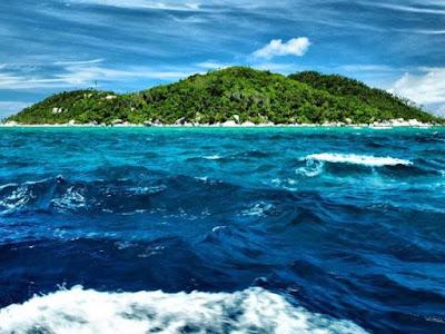pulau semiun, wisata pulau semiun, pulau semiun natuna