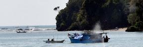 Pantai Jawa Barat berjulukan Pantai Pangandaran ini sudah tak perlu diragukan lagi keindahan Tempat Wisata Terbaik Yang Ada Di Indonesia: Tempat Wisata Pantai Pangandaran Ciamis Jawa Barat