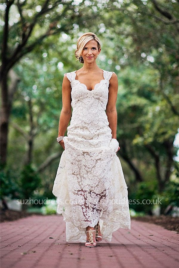 https://www.suzhoudress.co.uk/a-line-sleevelss-full-lace-wedding-dress-g18916?cate_2=12?utm_source=blog&utm_medium=ModernRapunzelBlog&utm_campaign=post&source=ModernRapunzelBlog