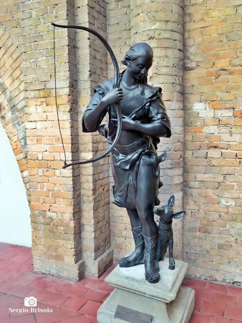 Close-up da Escultura Caçador Narciso - Pinacoteca de São Paulo - Luz