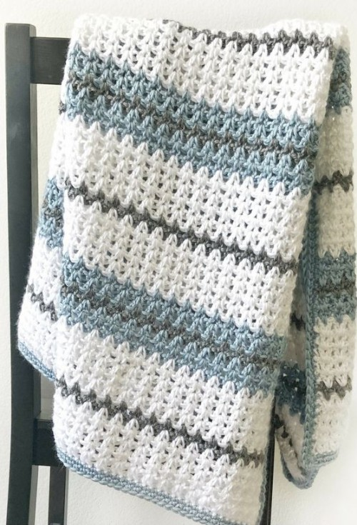 Modern Double Crochet V-Stitch Blanket - Free Pattern