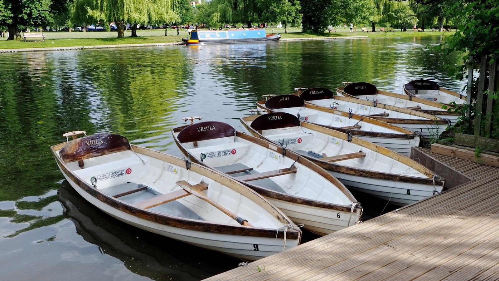 Rowboats on the river named after female Shakespeare characters