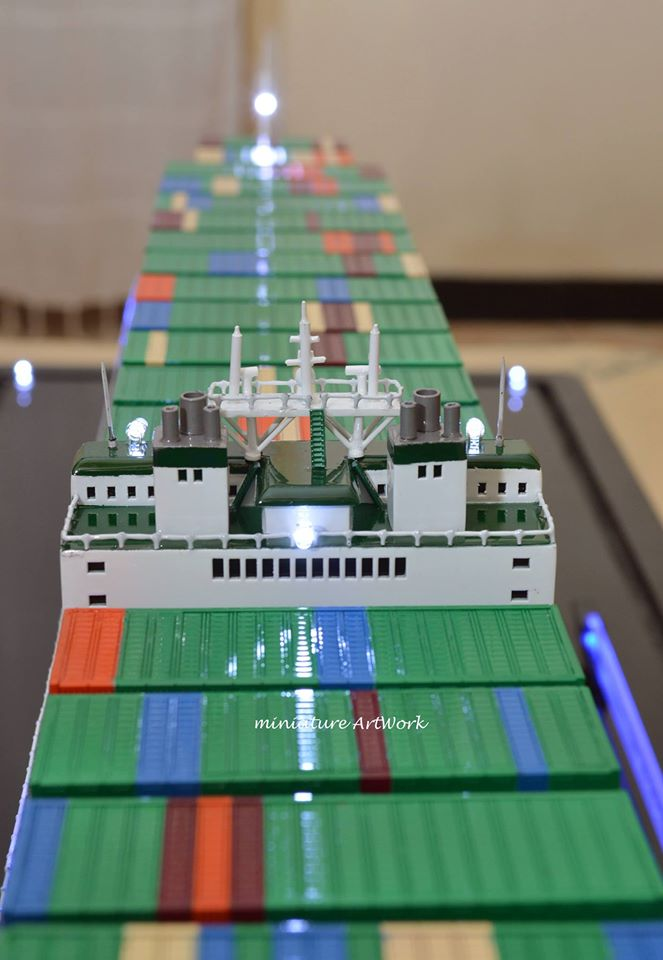 gambar desain miniatur kapal cargo ever delight evergreen planet kapal