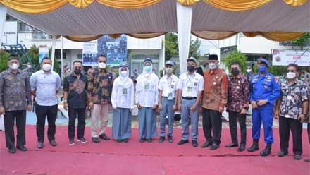 vaksinasi di SMA 10 Padang