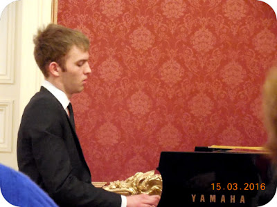 Jimmy Goeijenbier la pian