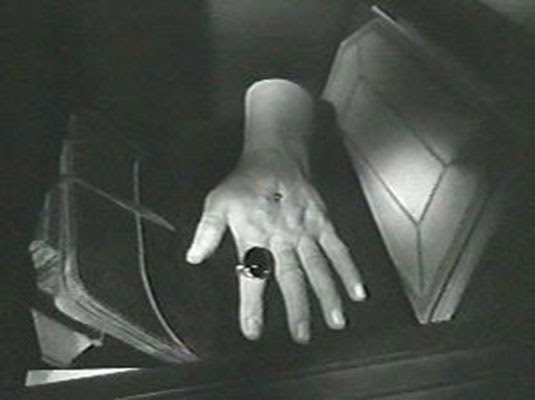 The beast with five fingers (1946) / la bestia en cuestión.