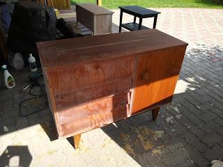 tipikus politúrozott bútor - festés előtt