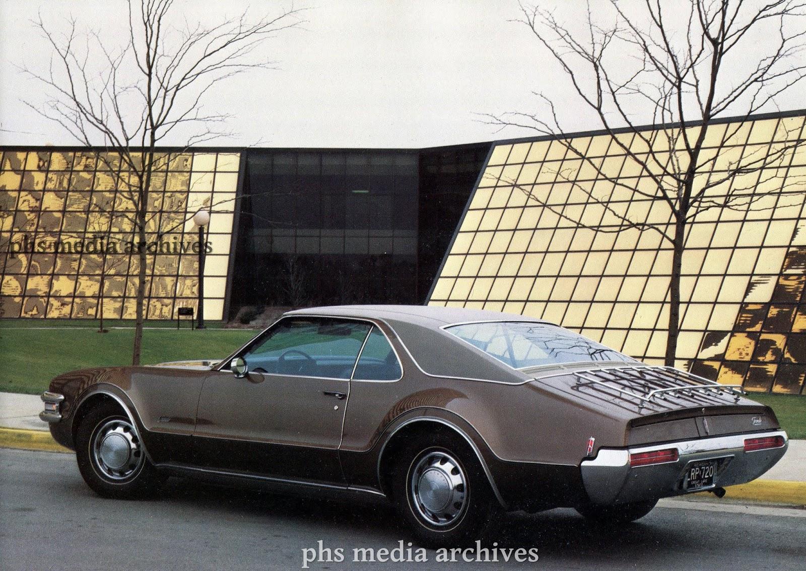 1969 OLDSMOBILE CUTLASS 442 98 88 TORONADO NEW CAR WARRANTY GLOVE BOX BOOKLET