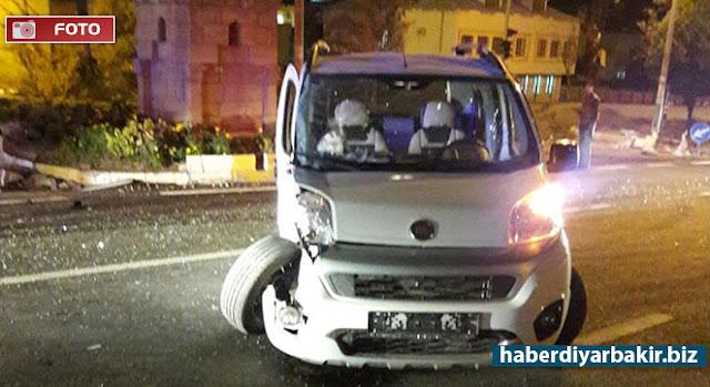 DİYARBAKIR-Çınar ilçe merkezinde yol çalışması nedeniyle tek şeride inen yolda kamyon ile hafif ticari aracın çarpışması sonucu bir kişi yaralandı.