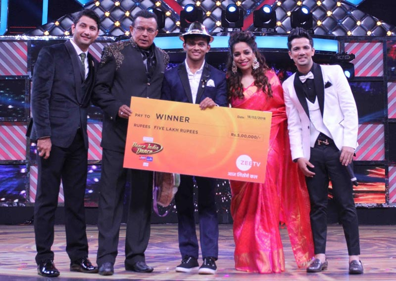 Dance India Dance 6 Winner Sanket Gaonkar with Grand Maszter Mithun Da, Judges Marzi, Mini and Mudhassar