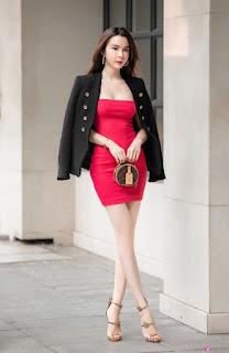 Huỳnh Vy tôn vòng ba 100 cm nhờ váy ôm