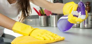 Η εμμονή με το καθάρισμα συνδέεται με το άγχος και είναι σημάδι ψυχαναγκαστικής διαταραχής