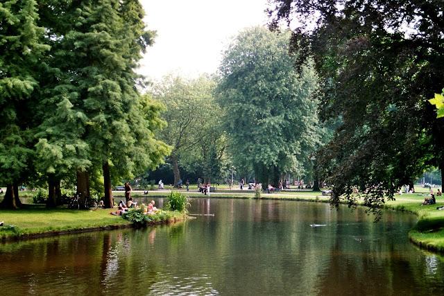 السياحة في امستردام .. استكشفوا جمال معالم هذه المدينة الرومانسيّة