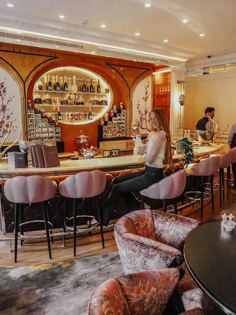 Belond Cadogan Adam Handling Lounge