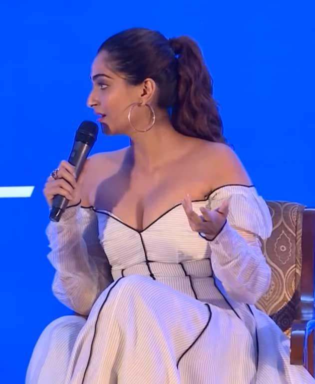Sonam Kapoor Big Boobs and Deep Cleavage