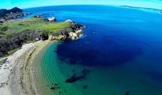 «Monastery Beach». Έχει το ψευδώνυμο «Νεκροτομείο»