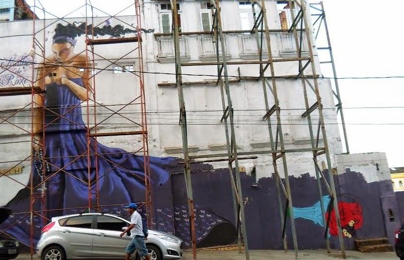 Mulher de Roxo - Ladeira da Praça (Foto: Ascom Dircas/Conder/Sedur)