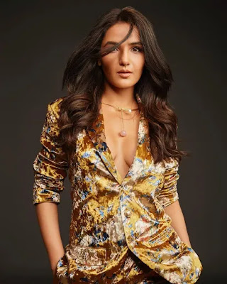 Jasmin Bhasin Hot and sexy photos and images