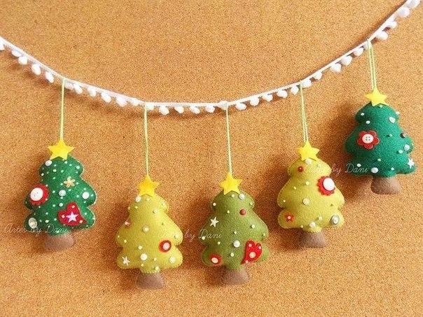 guirnaldas  de navidad en fieltro