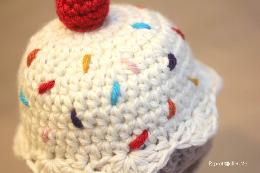 Knitting Pattern Cupcake Beanie : Crochet Cupcake Hat Pattern - Repeat Crafter Me